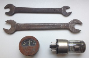 steampunk-wrench-gauge-relais